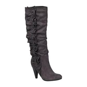 Apostrophe Gabby gray boots Size 8.5
